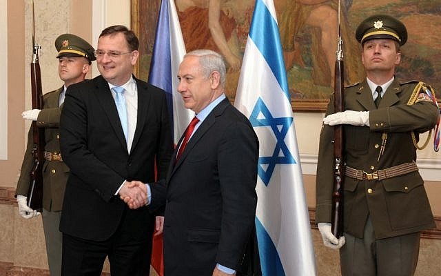 Benjamin Netanyahu, right, with Czech Prime Minister Petr Necas in May. (photo credit: Avi Ohayon/GPO/Flash90)