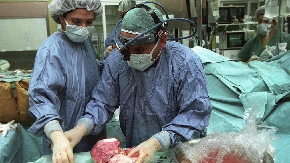Kidney traffickers selling organs to Israelis go on trial in Costa