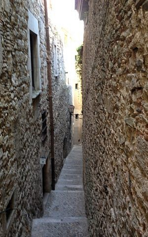 An alley in the Call of Girona. (photo credit: courtesy)
