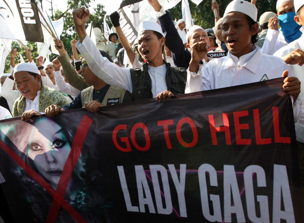 Indonesia-Lady-Gaga_Horo.jpg