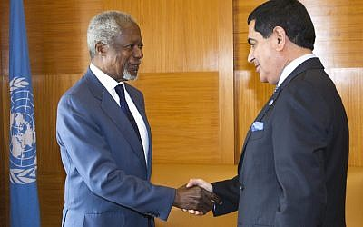Kofi Annan (left) and  Nassir Abdulaziz Al-Nasser, president of the United Nations General Assembly (photo credit: AP/Keystone, Salvatore Di Nolfi)