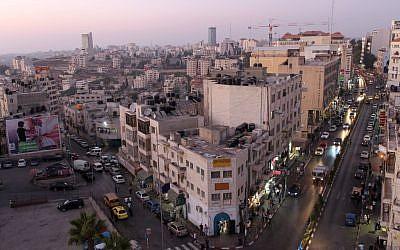 Downtown Ramallah (Nati Shohat/Flash90)
