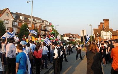 In London, a face-off between pro-Israeli and pro-Palestinian demonstrators, May 2013. (photo credit: courtesy of British Israel Coalition)