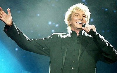 Barry Manilow (photo credit: CC-BY-Weatherman90, Wikimedia Commons)