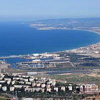 The industrial area of Haifa Bay (Shay Levy/Flash90)