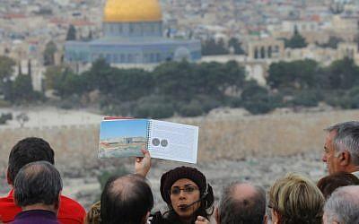 Tourists get a first hand glimpse of Jerusalem's Old City (photo credit: Nati Shohat/Flash90)