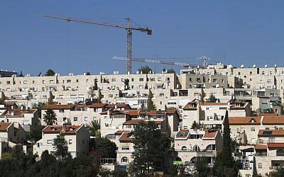 A building site in the Gilo neighborhood in Jerusalem (photo credit: Uri Lenz / Flash90)