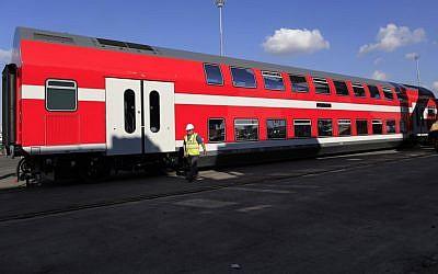 An Israel Railways train car (photo credit: Tsafrir Abayov/Flash90)
