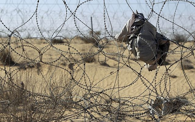 The fence along the Egyptian-Israeli border (photo credit: Tsafrir Abayov/Flash90)