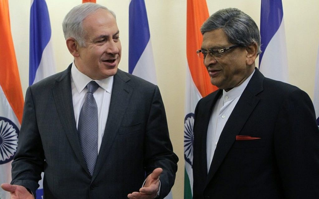 Prime Minister Benjamin Netanyahu (left) meets India's Foreign Minister Somanahalli Mallaiah Krishna in Jerusalem last January (Photo credit: Alex Kolomoisky/ Pool/Flash90)