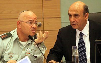 Deputy Chief of Staff Maj. Gen. Yair Naveh (left) and Kadima MK Shaul Mofaz in February. (photo credit: Yossi Zamir/Flash 90)