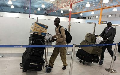 South Sudanese citizens leaving Israel as part of Operation Returning Home (photo credit: Kobi Gideon/GPO/Flash90)