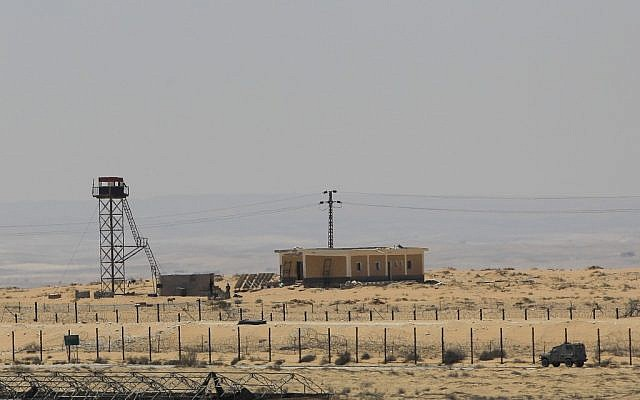 Israel's border with Egypt. (photo credit: Tsafrir Abayov/Flash90)