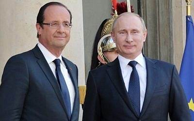 French President Francois Hollande, left, and Russian President Vladimir Putin meet at the Elysee Palace in Paris, France,  June 1, 2012. (AP/RIA-Novosti/Alexei Nikolsky/Government Press Service)