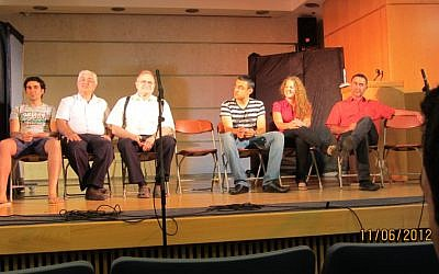 The actors during a mid-performance panel. For many stutterers just holding a microphone in hand can produce debilitating fear (Photo credit: Courtesy: Michal Stein)