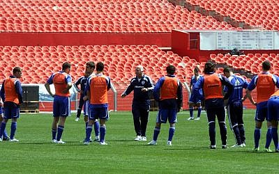 Israel's national soccer team during practice, March 2009 (Roni Schutzer/Flash90)