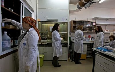 Illustrative photo of researchers working at the Weizmann Institute. (photo credit: Doron Horowitz/Flash90)