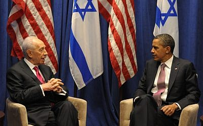 Peres and Obama in April.  Peres will receive the Presidential Medal of Freedom on Wednesday (photo credit: Moshe Milner/GPO/flash90)