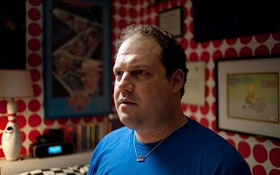 'Dark Horse' stars character actor Jordan Gelber as a portly 35-year-old schlub living at home with his parents. (photo credit: Courtesy)