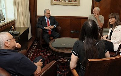 Netanyahu and Livnat meet with Israeli authors Sunday. (photo: courtesy Ministry of Culture and Sport spokeswoman)