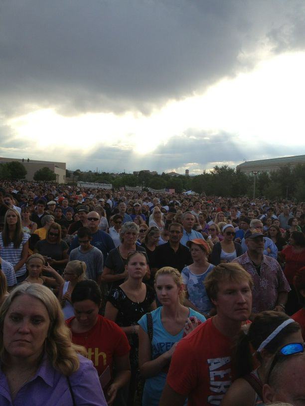 Thousands gather outside the Aurora Municipal Center in COlorado to remember the victims of the theater shooting, July 22, 2012. (photo credit: JTA/wscottbloyer/Twitter)
