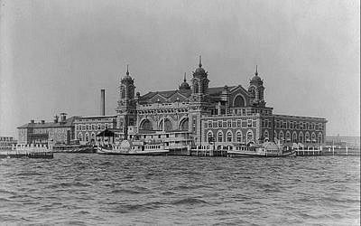 Ellis Island in 1905. (photo credit: Wikimedia commons)