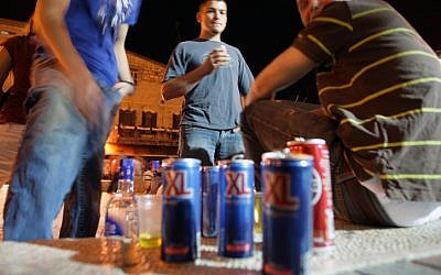Young Israelis drinking alcohol mixed with energy drinks. (photo credit: Kobi Gideon/Flash90)