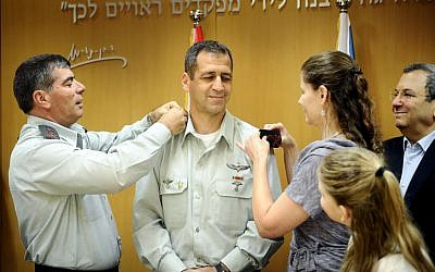 Aviv Kochavi, a former commander of the Gaza Division, being promoted to major general and assuming command over the Intelligence Corps in 2010 (photo credit: IDF Spokesman/Flash 90)