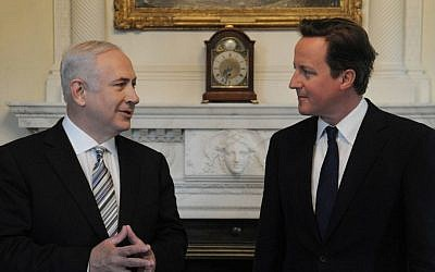 British Prime Minister David Cameron, right, meets with Prime Minister Benjamin Netanyahu in London in May, 2011 (Photo credit: Amos Ben Gershom/ GPO/Flash90)