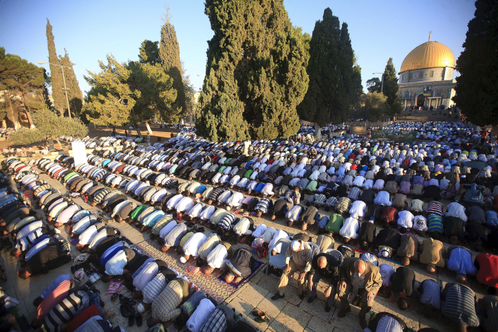 File photo of Muslim worshippers outside the al-Aqsa Mosque in Jerusalem during Ramadan in 2011. (photo credit: Sliman Khader/Flash90)