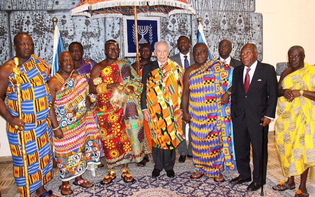 Peres with the Ghanian delegation in Jerusalem Sunday. (photo credit: Amos Ben Gershom/GPO/Flash90)