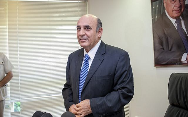 Kadima chairman Shaul Mofaz arrives at a press conference in the Knesset, July 23, 2012 (photo credit: Noam Moskowitz/Flash90)