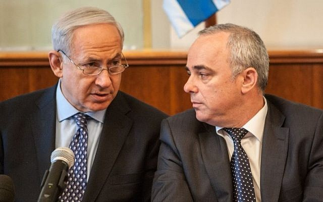 Prime Minister Benjamin Netanyahu (left) and Minister Yuval Steinitz. (photo credit: Uri Lenz/Flash90)