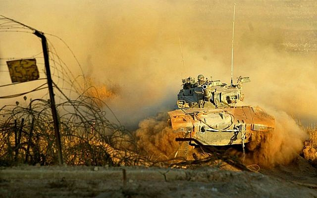 A tank returning from Southern Lebanon in 2006. (photo credit: Haim Azulay/Flash90)