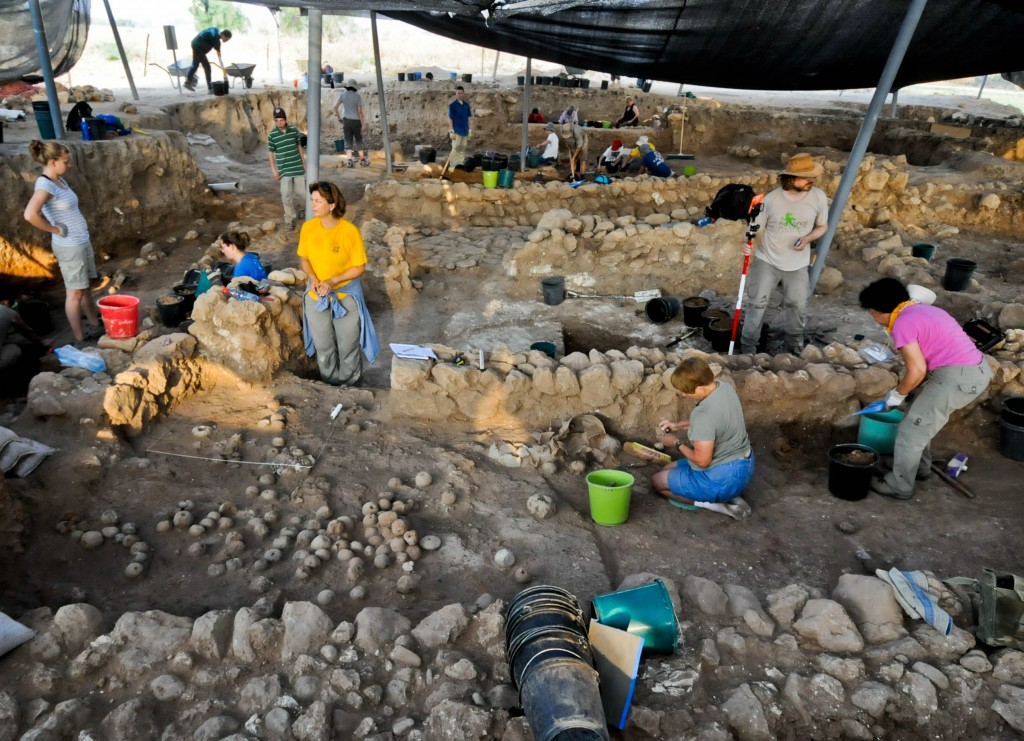 An archeological dig at Tell es-Safi. (Courtesy of the Tell es-Safi/Gath Archaeological Project)