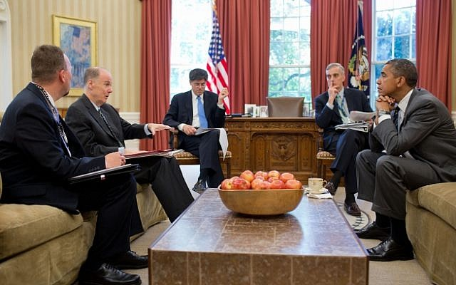 President Barack Obama meets with senior advisors in the Oval Office on July 18. Pictured, from left, are: Chris Mizelle, Director for Russia and Central Asia, NSS; National Security Advisor Tom Donilon; Chief of Staff Jack Lew; and Denis McDonough, Deputy National Security Advisor. (Photo credit: White House/Pete Souza)