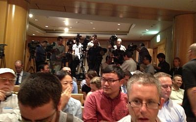 Reporters covering Hillary Clinton's Monday press conference. (photo credit: Raphael Ahren/ Times of Israel)