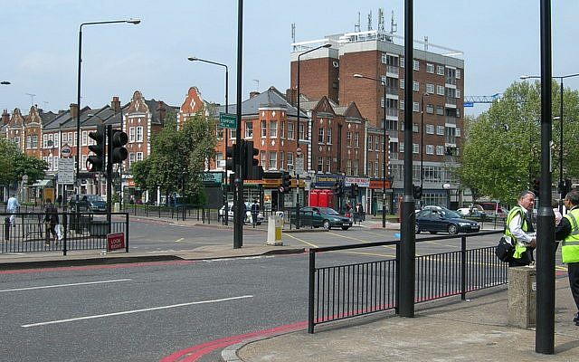 Stamford Hill (Photo Credit:CC BY-SA,Ewan-M/Flickr)
