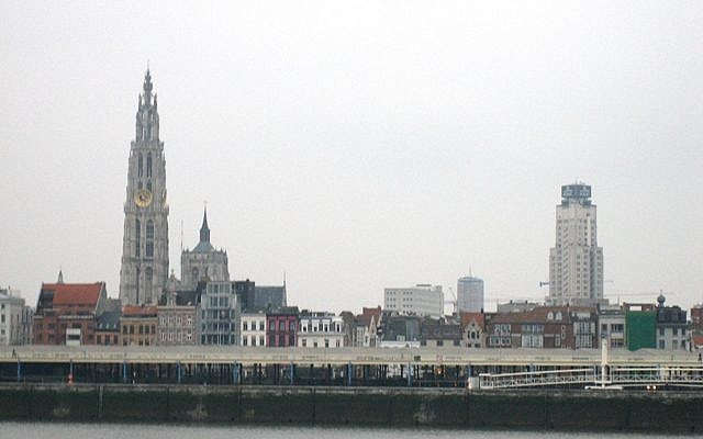 Riverside view of Antwerp, Belgium (CC BY-SA 3.0, by Bbd, Wikimedia Commons)