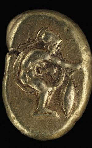 Electrum stater. Cyzicus. Ca. 400 – 375 BCE. Beardless warrior standing right, his right arm extended above vertical tuna