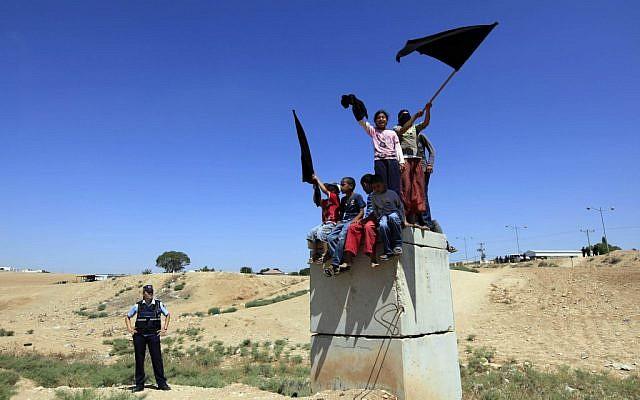 Protesting youth in Rahat. (Illustrative photo: Tsafrir Abayov/Flash90)