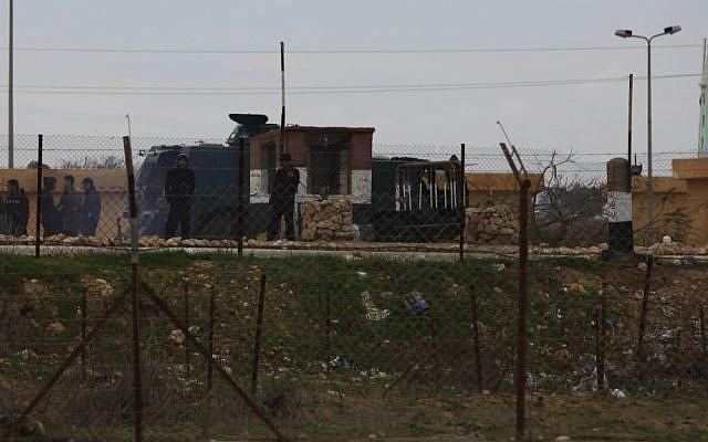 File photo of an Egyptian checkpoint along the Israeli border (photo credit: Tsafrir Abayov/Flash90)