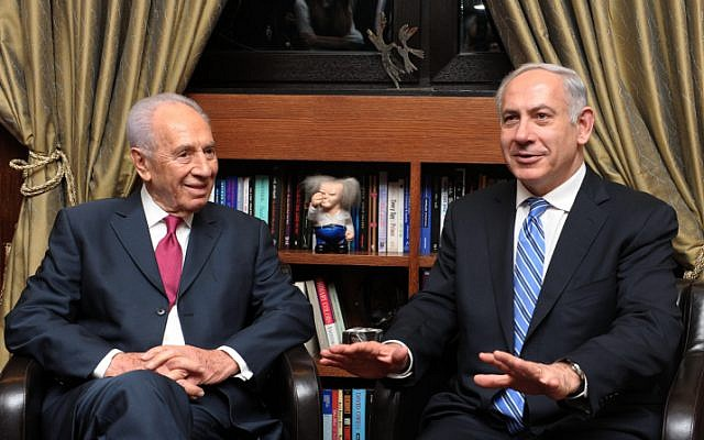 President Shimon Peres (L) and Prime Minister Benyamin Netanyahu meet at the President's residence in Jerusalem, February 2012 (photo credit: Moshe Milner/GPO/Flash90)