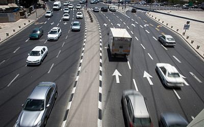 Traffic at the entrance to Jerusalem in 2012. (photo credit: Uri Lenz/Flash90)