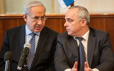 Benjamin Netanyahu (left) and Yuval Steinitz (photo credit: Uri Lenz/Flash90)