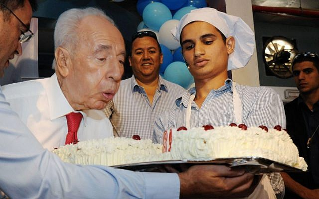 President Shimon Peres celebrates his 89th birthday in Yeruham on Thursday (photo credit: Mark Neyman/GPO/Flash90)