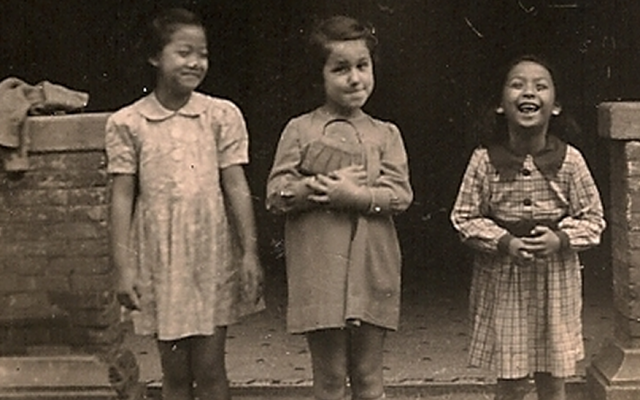 A young Jewish refugee and her Chinese girlfriends in Shanghai during World War II (photo credit: Courtesy Shanghai Jewish Refugees Museum)