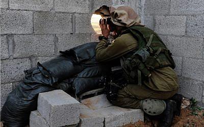 IDF forces during ground maneuvers in the Gaza Strip. January 06, 2009. (photo credit: Matan Hakimi / IDF Spokesperson / Flash 90)