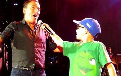 No, you sing it (photo credit: YouTube screenshot)