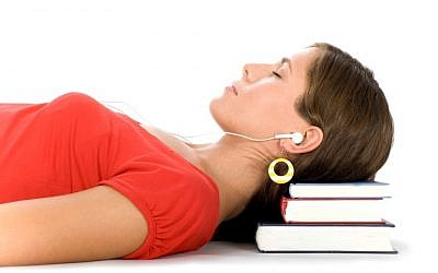 Does sleep-learning really work? (Photo credit: Weizmann Institute)